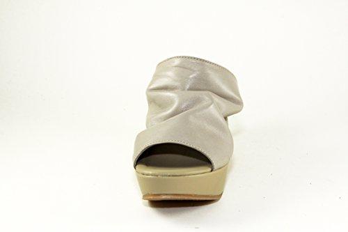 SilferShoes - Zoccolo in vera pelle, con fibbia, colore grigio