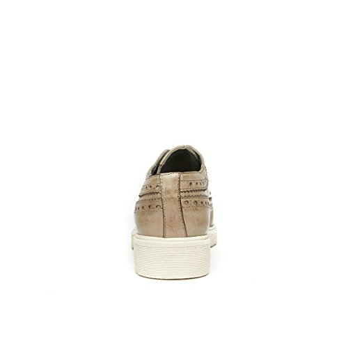 Scarpa Stringata Derby con Decorazione Wing Cap di Colore Taupe. Wing Cap Derby Taupe. Donna.