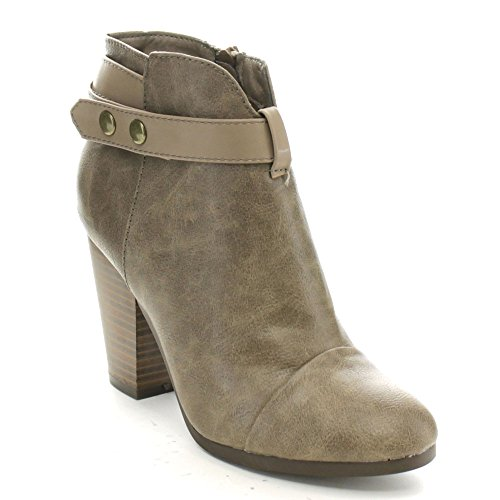 Breckelles Gail 22 Womens Stacked Booties product image