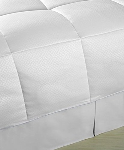 (Tommy Hilfiger Interlock Logo Down Alternative Twin Comforter)