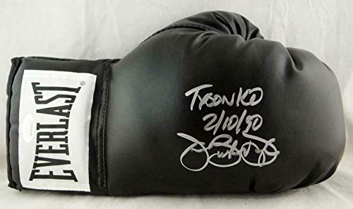 (Buster Douglas Signed Everlast Black Boxing Glove w/Tyson KO 2/11/90- W Auth - JSA Certified - Autographed Boxing)