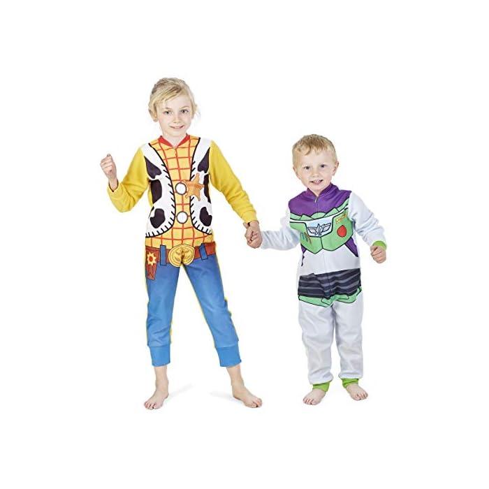 41%2B3Patlc%2BL ONESIE PARA LOS FANS DE DISNEY: Ropa que los niños adorarán y usarán día y noche! Elige entre dos personajes populares de Disney: Woody y Buzz. Esta ropa de dormir súper suave, cómoda y cómoda tiene una cremallera larga en la parte delantera, muñecas y tobillos con puños para mantener el calor y garantizar la máxima comodidad a sus pequeños EXTRA CÓMODO: Nuestras prendas esponjosas son súper cómodas. Están hechos de un material similar al vellón y cuentan con una cremallera para abrir y cerrar y fondos con puños, lo que los hace perfectos para todas las alturas Lana