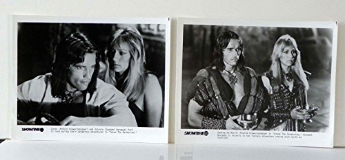 CONAN THE BARBARIAN 1982 BW PRESS PHOTO 2 PACK SCHWARZENEGGER SANDAHL ()