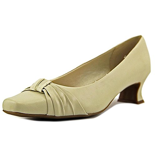 (Easy Street Womens Waive Closed Toe Classic Pumps, Bone, Size 8.0)