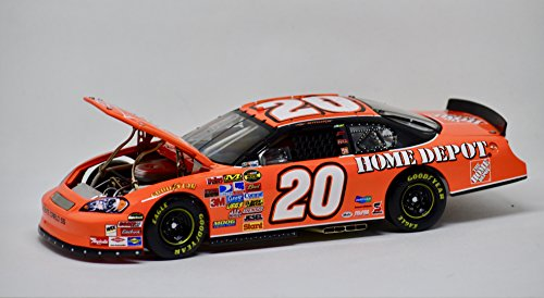 (Tony Stewart #20 Home Depot / 2005 Nextel Cup Champion / 2005 Monte Carlo Color Chrome / 1:24 Scale Diecast Car)