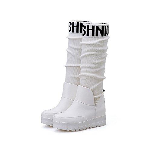 AllhqFashion Damen Gemischte Farbe Blend-Materialien Mittler Absatz Ziehen auf Stiefel Weiß