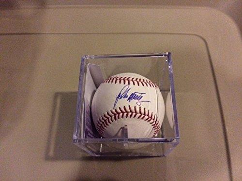 Pedro Martinez Autographed MLB Baseball (Pedro Martinez Autographed Baseball)