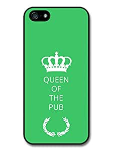 New Funny Queen of the Pub Gift Idea on Green Design Case For Htc One M9 Cover