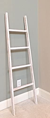 Escalera de madera decorativa rústica con pestañas blancas. Extra ancha para toalla/manta escalera/versátil decoración.