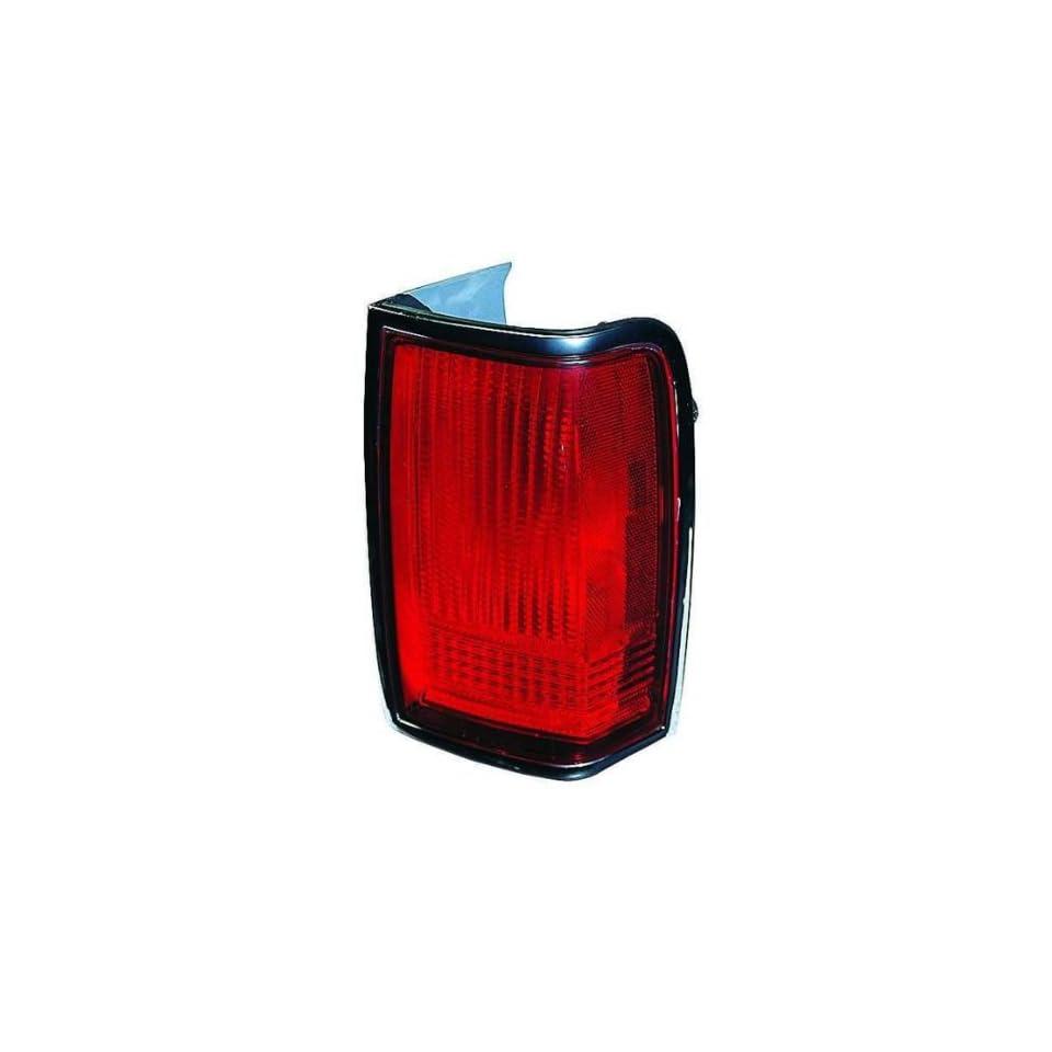 LINCOLN TOWN CAR 90 97 TAIL LIGHT UNIT PAIR SET NEW W/O EMBLEM