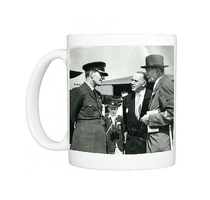 photo-mug-of-claude-grahame-white-centre-with-lord-trenchard-right