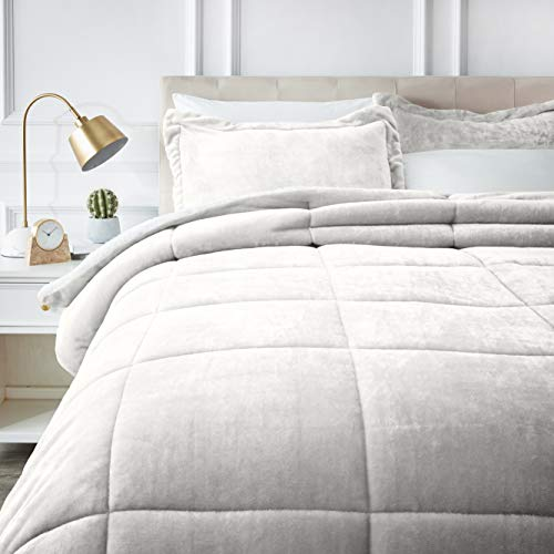 AmazonBasics Ultra-Soft Micromink Sherpa Comforter Bed Set - King, Cream (King Size Bedding Cream)