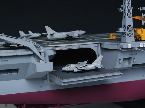 トランペッター 1/350 米海軍 空母 CVN-68 ニミッツ