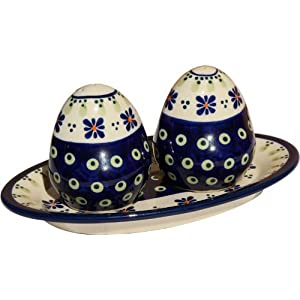 Polish Pottery Salt and Pepper Shakers From Zaklady Ceramiczne Boleslawiec #961-296a Traditional Pattern