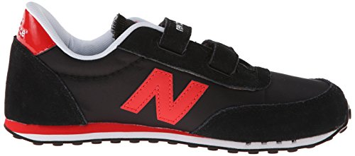 New Balance Unisex-Kinder 410 Hook and Loop Sneaker Mehrfarbig (Black/RedBlack/Red)