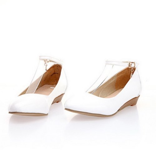 AmoonyFashion Womens Closed Pointed Toe Low Heel Wedges PU Patent Leather Solid Pumps White qBCTAYP