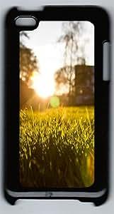 Morning Grass Polycarbonate Hard Case Cover for iPod 4 šCBlack