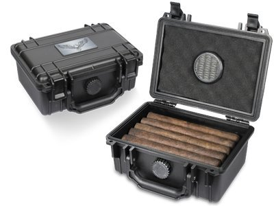 Guardsman Travel Black Cigar Humidor Capacity 10-15 ()