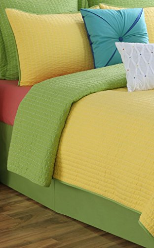 (Fiesta Dash Reversible Quilt Set - Twin - Lemongrass Green Sunshine Yellow - with Euro Sham)