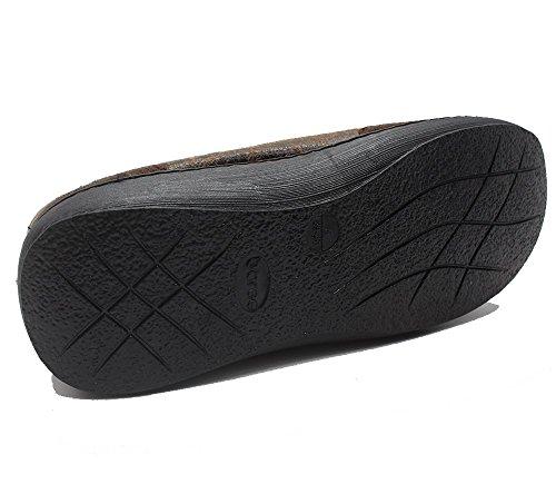 Pantofole Isolate Da Uomo Con Pelliccia Marrone