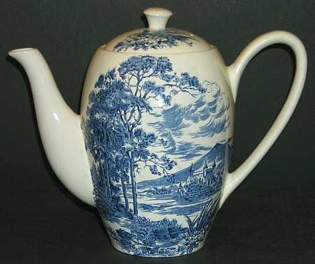 ウェッジウッド コーヒーポット カントリーサイド ブルー [並行輸入品] B06XD6QW2P