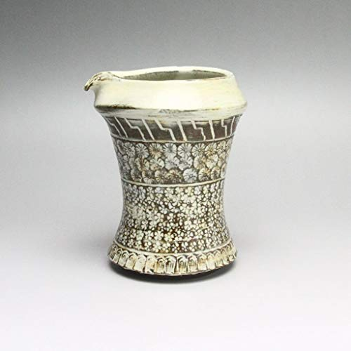Katakuchi lipped bowl made by Keita Yamato. Hagi-ware Japanese ceramic.