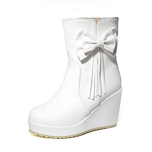 AllhqFashion Damen Hoher Absatz PU Leder Niedrig-Spitze Schleife Ziehen auf Stiefel Weiß