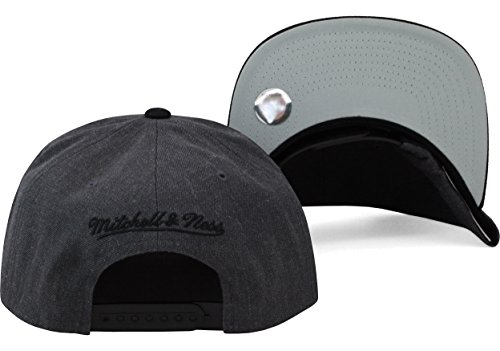 Mitchell and Ness Chicago Bulls Charcoal Wool Grey Black Visor Snapback Hat Cap