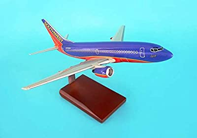 Executive Series G9110 Boeing 737-700 Southwest Airlines SWA New Livery 1:100 Mahogany Display Model with Stand