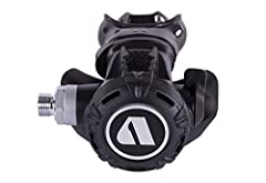 The Apeks XL4 is especially well-suited for the technical exploration diver who prefers cold water climates. Compact and lightweight, it helps reduce jaw fatigue during long, cold dives.