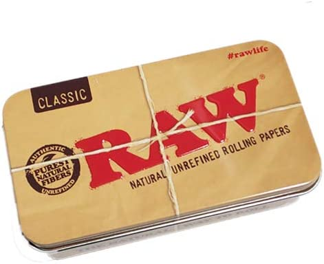 RAW Stoners - Juego de caja de metal con 4 paquetes de papel de fumar Connoisseur Classic, incluye filtros, 4m de cuerda de cáñamo