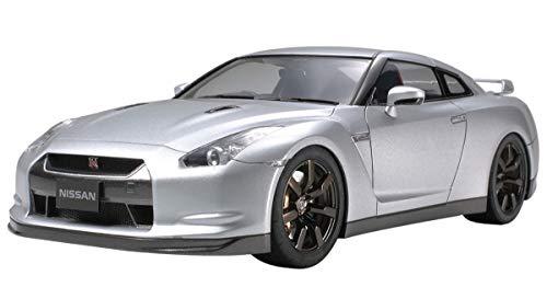 Tamiya Nissan GT-R R35 - 1/24 Scale Model Kit 24300