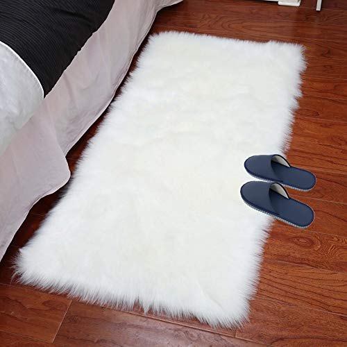 XingMart 2ft x 4ft Sheepskin Area Rugs Faux Fur Rugs for Bedroom Plush Soft Fuzzy Carpets Bedside Rug for Girls Room Home Decor, White