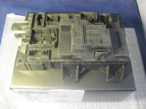 Ford Motor Company A020DVT0NB AC2T 14C442 DC Power Distribution Module T13337