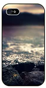 iPhone 5 / 5s Blur water rocks - black plastic case / Nature, Animals, Places Series