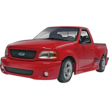 Revell 1999 Ford SVT F 150 Lightning 1/25 Scale Plastic Model Car Kit