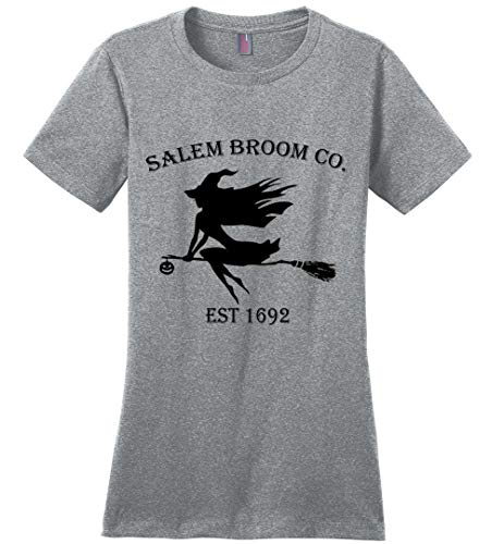 Halloween Salem Broom co est 1692 Gift Idea Ladies T-Shirt