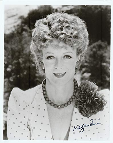 Maggie Smith Authentic Signed Autograph 8x10 photo (The Best Exotic Marigold Hotel 2019)