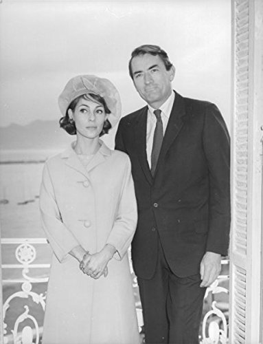 vintage-photo-of-gregory-peck-standing-with-his-wife-veronique-peck