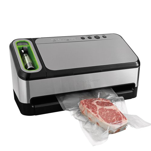 FoodSaver 2-in-1 Vacuum Sealing System and Starter Kit for Food Preservation