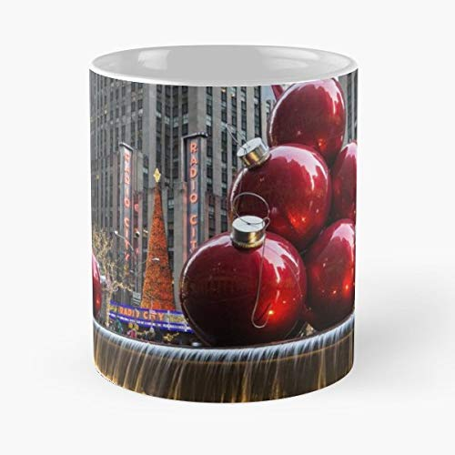 Georgia Mizuleva Christmas Card New York City Radio Music Hall - 11 Oz Coffee Mugs Unique Ceramic Novelty Cup, The Best Gift For Holidays.