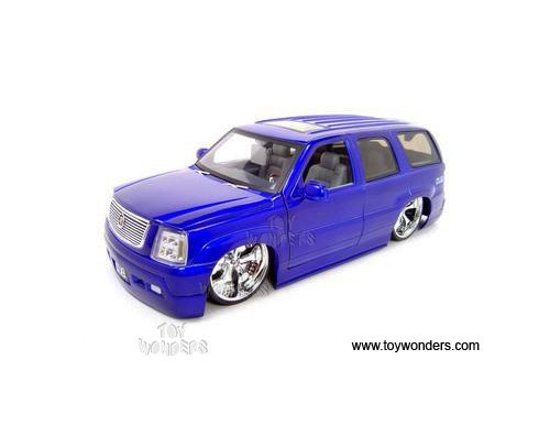 63102PS Jada Toys Dub City - Cadillac vt8y61xlq Escalade 1lc0q3qr8qo SUV (2002, 1/18 scale diecast model car, Purple) 63102 diecast car model 63102PS JADA DUB City 2002 Cadill