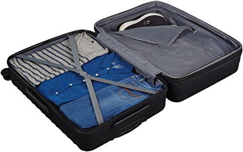 "AmazonBasics Hardside Spinner Luggage - 3 Piece Set (20"", 24"", 28""), Black"