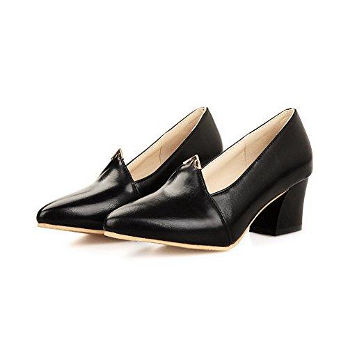 Allhqfashion Mujeres Soft Material Pull-on Cerrado Punta Estrecha Kitten-heels Solid Pumps-Zapatos Negro