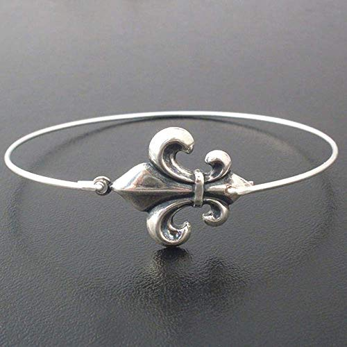 Fleur de Lis Bangle Bracelet France Theme Jewelry Mardi Gras Paris Party Favor Gift Avg. Size Woman]()