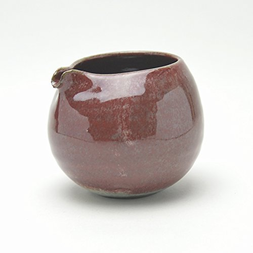 Japanese traditional ceramic Hagi ware. Red shinsha katakuchi lipped bowl made by Keita Yamato.