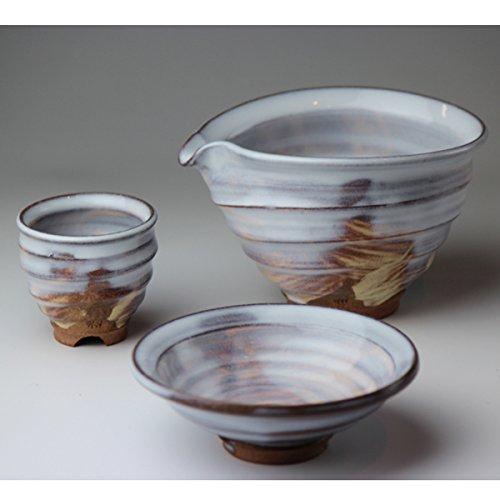Japanese ceramic Hagi-ware. Set of sake bottle server and 2 sake cups with wooden box. shuto15351