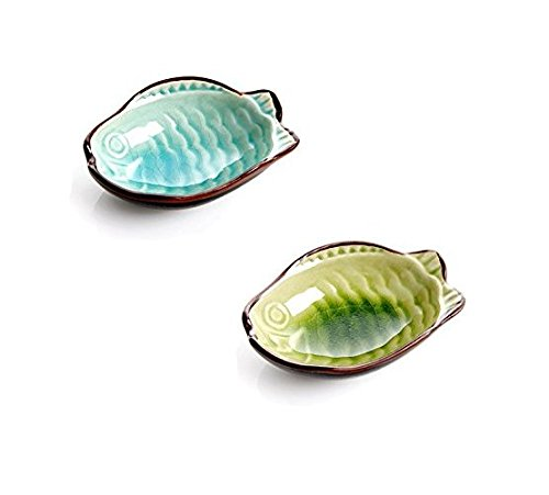 Astra shop 2PC Fish Shape Porcelain Serving Saucers Bowl Sauce Dishes Sushi Appetizer Plates Japanese Style Dinnerware Set (Light Blue & Dark Green)