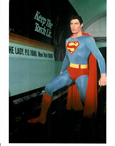 Christopher Reeves as Superman in subway 8 x 10 Inch Photo LTD3