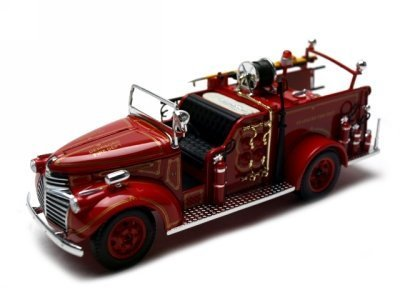 Signature Models 1941 GMC Fire Engine Truck Diecast Model 1/32 Red (Signature Fire Engine)